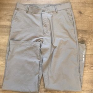 Under Armour 💯 athletic ⛳️ chino Pants men's!